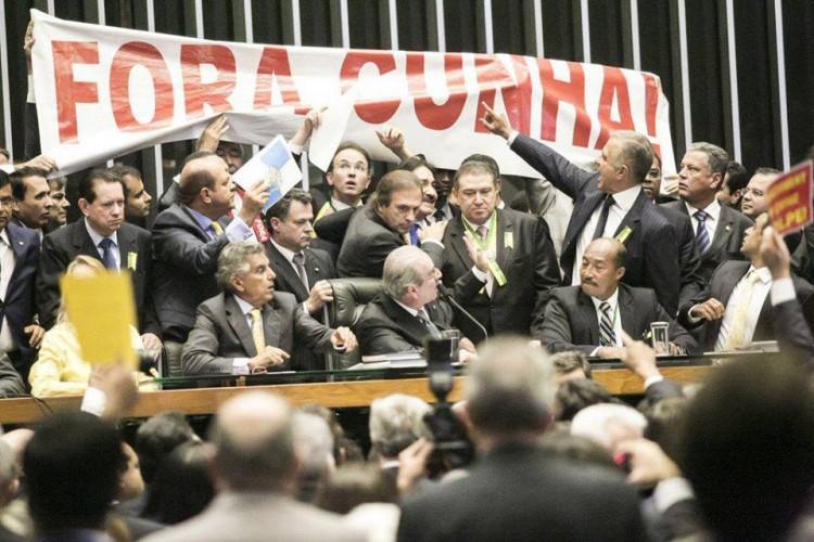 Für Gott, Familie und Vaterland! Sozis ins Gefängnis!
